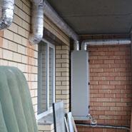 Вертикальная ПВУ-350 на балконе